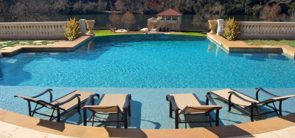 Swimming Pool Finish Line : Beadcrete with aquamarine finish